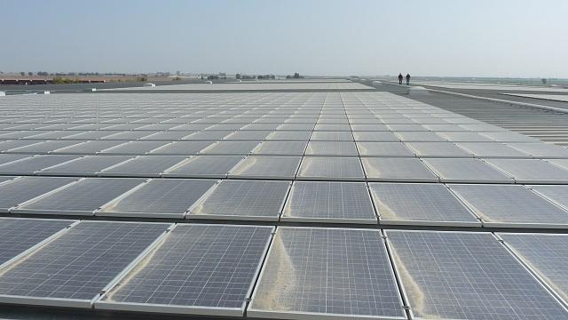 чистка сонячних панелей